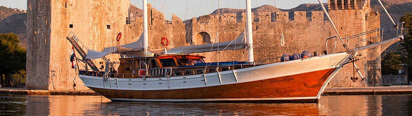 yacht-slider-1